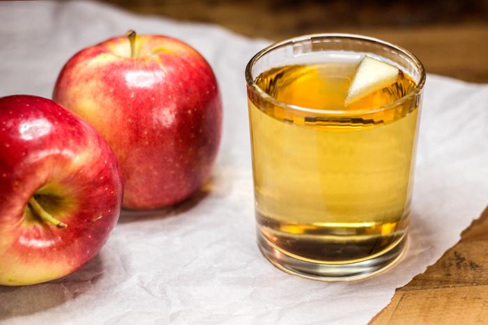 Apple Spritzer (Apfelschorle) | The Kitchen Maus