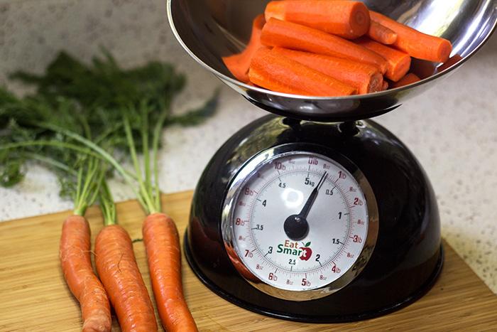 Carrot Apple Salad (Karotten-Apfelsalat) - The Kitchen Maus
