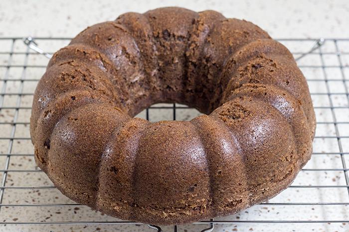 Luscious Red Wine Cake (Saftiger Rotweinkuchen) - The Kitchen Maus