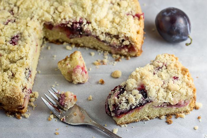 Quick Plum Streusel Cake (Pflaumenkuchen) by the Kitchen Maus